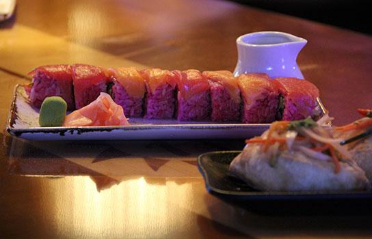 Disney's-Polynesian-Resort-Trader-Sam's-Sushi-544x350(4)