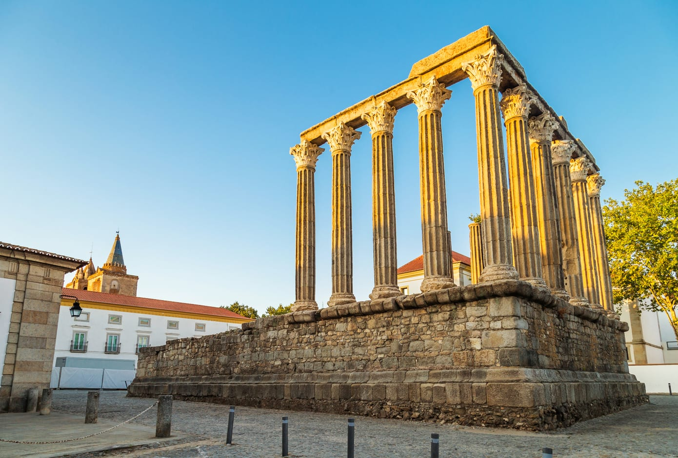 The Roman Temple of Évora, also referred to as the Templo de Diana.