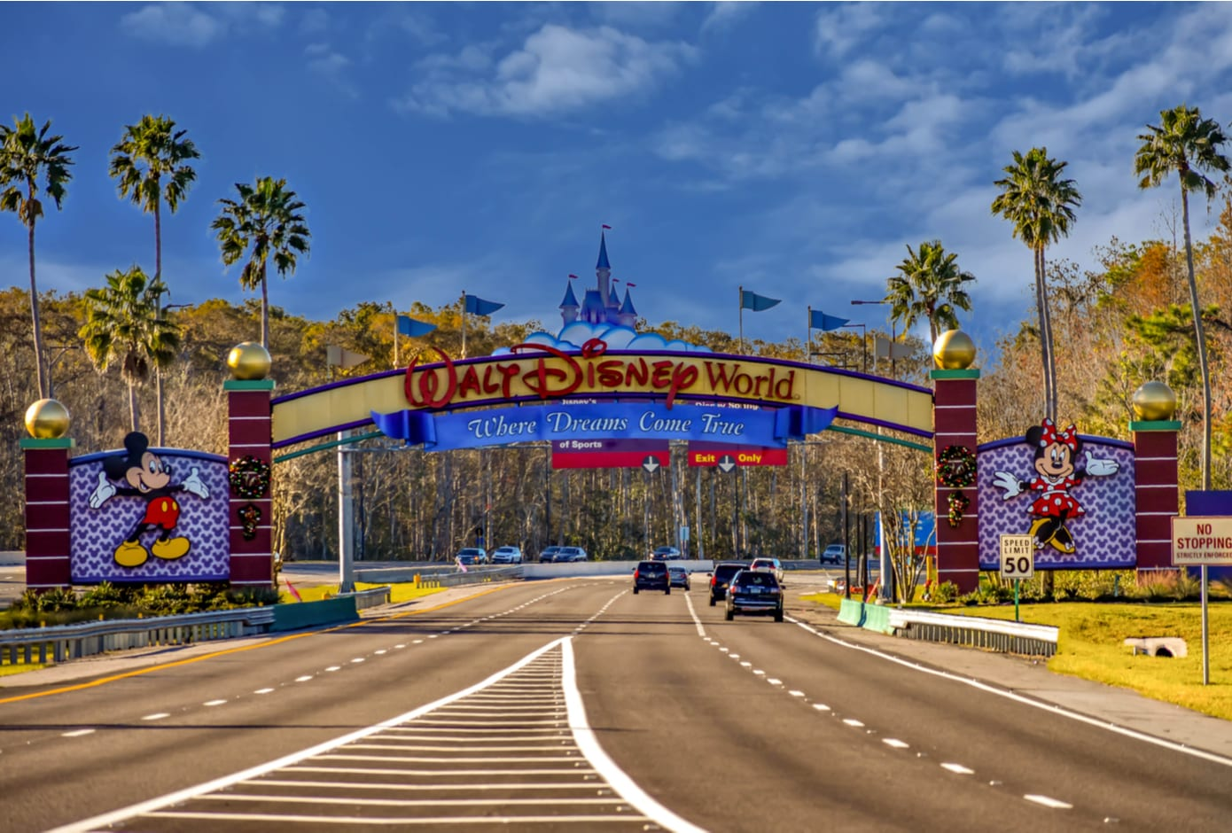 Entrance Arch of Walt Disney Theme Parks, in Orlando.