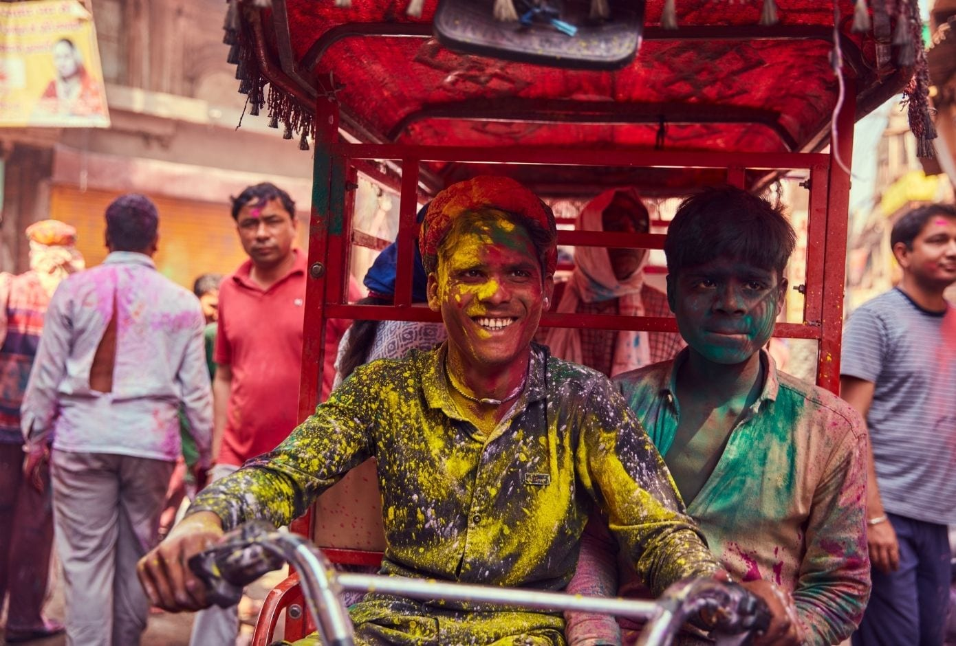holi travel guide