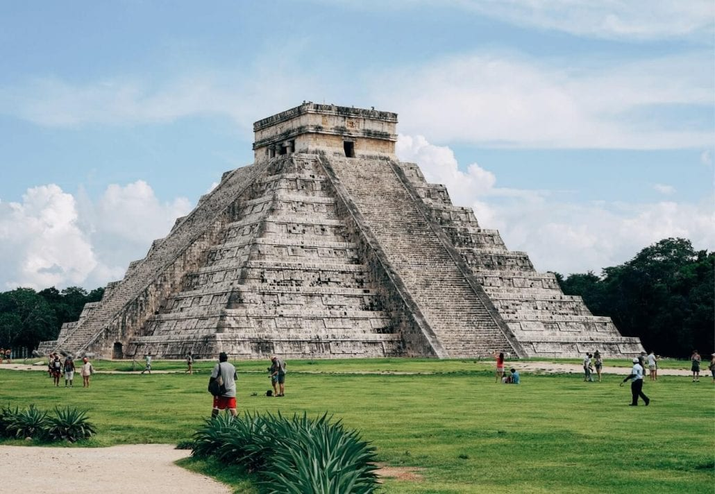 "The Kukulkan Pyramid (""El Castillo"") in the center of the Chichén Itzá archaeological site, in Mexico."